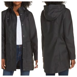 UGG Rylie Rain Jacket Size Medium NWT
